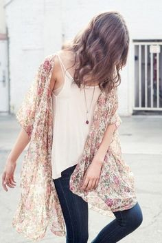 Top Summer Trends: how to style a kimono with accessories
