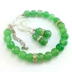 Zestaw biżuterii bransoletka i kolczyki z zielonym szlifowanym agatem i agatem smoczym.