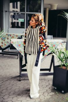 wide leg white pants + stripes!