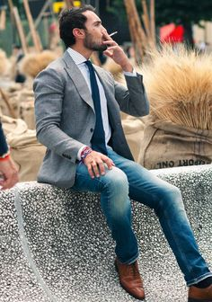 #menswear #fashion #casual #style #gray #blazer #blue #tie #striped #shirt #denim #pants #jeans #outfit