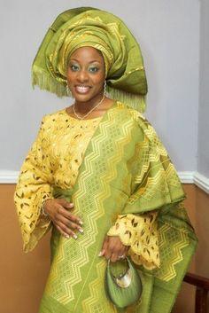 Green and yellow Aso Oke (woven fabric) with matching Iborun and green bag. Nigerian Traditional Clothing, Nigerian Traditional Wedding, African Dresses For Women, African Attire, African Women, African Clothes, Nigerian Outfits, Nigerian Bride, African American Fashion