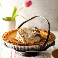 Spicy Pumpkin Tart made easy in a Hulamin aluminium foil container. Pumpkin Tarts, Aluminium Foil, Spicy Recipes, Make It Simple, Bakery, Container, Articles, Easy, Desserts