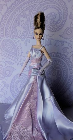 Twilight Gala | Dania is modeling a gown by Twilight Gala barbie. The 2002 member's choice of the official barbie collector's club.