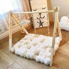 Baby Gym ¡para que no se aburran! Baby Bedroom, Baby Boy Rooms, Baby Room Decor, Baby Boy Nurseries, Nursery Room, Kids Bedroom, Baby Nursery Diy, Baby Pillows, Baby Blankets