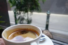 オフィス街のコーヒー屋さん、立ち飲みオンリー