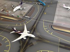 No Point Airport - Diorama Airport BKK (Bangkok) series 'look-a-like'. Taxiway in front of Terminal - Concourse C Free Paper Models, Boeing 787 8, Thai Airways, Bangkok, Aircraft, Logo, Ring, Airports, Dioramas