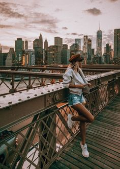 Cute aesthetic NYC photos, , My Style - My Favorite, New York Photography, Photography Poses, Travel Photography, New York Pictures, New York Photos, Photographie New York, Selfie Foto, Nyc Pics, Travel Pose