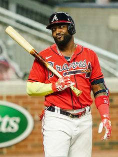 Outfielder Marcell Ozuna during an at-bat. Braves Baseball, Baseball Players, Chicago White Sox, Boston Red Sox, Nippon Professional Baseball, Cub Sport, Buster Posey, The Outfield, Tampa Bay Rays
