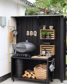 Wow check out and her beautiful outdoor cooking area. Gorgeous and stylish and the Morso Forno Gas BBQ Grill - Grande fits in perfectly. Find it on our website (link in bio) Small Outdoor Kitchens, Outdoor Bbq Kitchen, Outdoor Cooking Area, Outdoor Kitchen Design, Outdoor Rooms, Outdoor Living, Outdoor Grill Area, Small Bbq, Back Garden Design