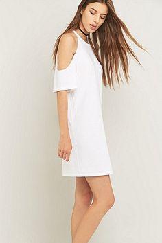 Sparkle & Fade – Schulterfreies Kleid in Weiß