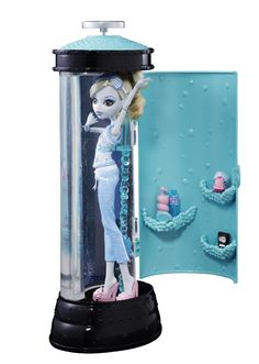 Amazon.com: Monster High Dead Tired Lagoona Blue Doll And Hydration Station Playset: Toys & Games