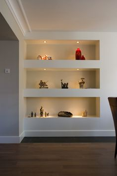 Amazing wall niche ideas - Home Page Alcove Shelving, Recessed Shelves, Alcove Cupboards, Built In Wall Shelves, Bookcase Wall, Shelving Ideas, Cupboard Doors, Home Living Room, Living Room Designs
