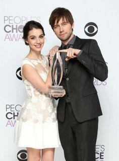 Darn right this is the best new tv drama! #reign