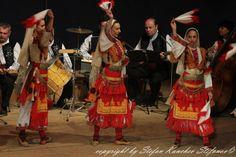 """Philip Koutev"" National Folklore Ensemble, Sofia / Ансамбъл за народни песни и танци ""Филип Кутев"" © Stefan Kanchev Stefanov [http://ansambal-philipkoutev.artbf.com/en; http://www.collegiummusicum.org/collegium/?cat=34]"