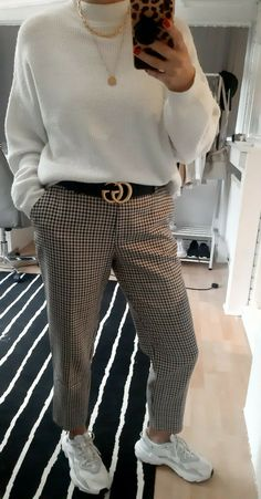 White Jumper, Checked Trousers, Knitwear, Knitting, How To Wear, Pants, Shopping, Style, Fashion