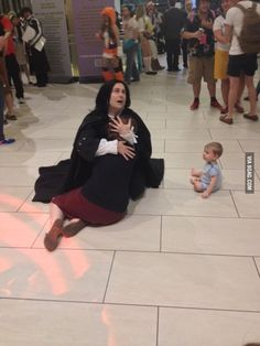 My friend is at Dragon*Con and just posted this emotional Harry Potter cosplay picture. The baby is a nice touch. Harry Potter Actors, Harry Potter Jokes, Harry Potter Pictures, Harry Potter Universal, Harry Potter Fandom, Harry Potter World, Harry Potter Cosplay, Harry Potter Costumes, Anniversaire Harry Potter