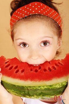 Dá vontade de morder e se lambuzar de tão gostosa que é a melancia!