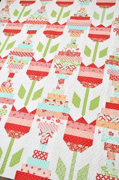 Vintage Tulips quilt pattern by Camille Roskelley