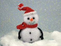 Knitted Toy Snowman Christmas Ornament Table от HomemadeCraftIdeas