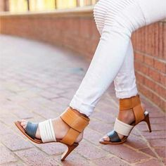 HAVE YOU SEEN IT? Arco Avenue published their Spring/Summer Lookbook and it's STUNNING. Visit our blog to view the lookbook which includes the tri-colored heels you see here.....WANT! Reposted Via @tsgjackson