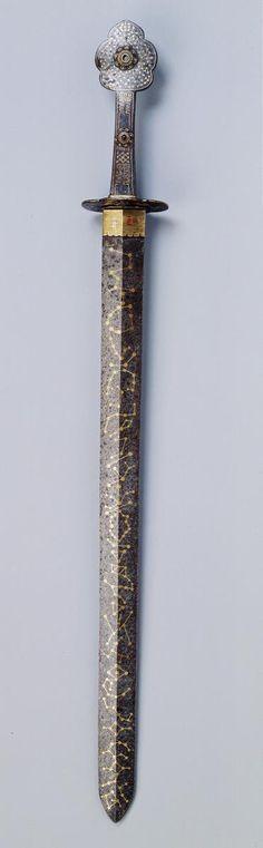 사인검四寅劍은 호랑이를 뜻하는 인寅이 네 번 겹쳐진 인년 인월 인일 인시(새벽 3-5시)에 만들어진 칼을 말합니다. 검의 표면에는 별자리를 새겼으며, 귀신을 쫒고 사악한 것을 무찌르는 힘이 있다고 여겨졌습니다.