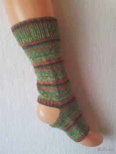 Yoga Socken, tanzen, Pilates, hand gestrickt, gestreift, Regenwald, grün orange von LiMariann auf Etsy