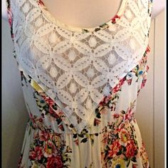 Flowers & Lace Dress Gorgeous floral pattern with lace chest accents. Worn only once. Great condition, no flaws. PP Trades Holds Offers welcome! Dresses