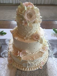 White Wedding Cakes Amazing 30 Unique Wedding Cakes Ideas For Your Special Moment - Unique wedding cakes today have come a very long way from the ancients. Way back then they were simple bread […] Floral Wedding Cakes, Wedding Cake Rustic, White Wedding Cakes, Elegant Wedding Cakes, Wedding Cake Designs, Wedding Cake Toppers, Vintage Cake Toppers, Cake Wedding, Trendy Wedding