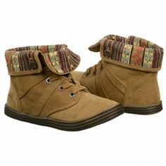 Women's Blowfish Razberry Earth Fawn Pu FamousFootwear.com. Be the trendy one this weekend in the Razberry foldover boots by Blowfish.