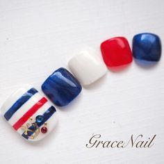 Pedicure Designs, Toe Nail Designs, Pretty Toe Nails, Love Nails, Feet Nail Design, Subtle Nail Art, Sea Nails, Summer Toe Nails, Holiday Nail Art