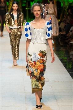 Dolce & Gabbana Milano - Spring Summer 2017 Ready-To-Wear - Shows - Vogue.it