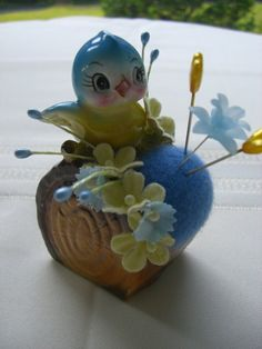 pin cushion-so cute and takes me back to mom's pretties!