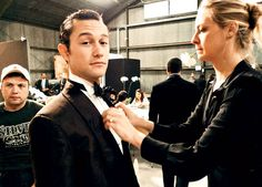 Behind the scenes ~ Joseph Gordon Levitt Celebrities Exposed, Joseph Gordon Levitt, Famous Movies, Popular Movies, Music Tv, Celebrity Pictures, Actors & Actresses, Sexy Men, Behind The Scenes