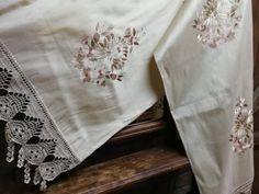 Παραδοσιακά Κεντήματα – Σελίδα 4 – Μεταξωτά Σουφλίου – Μπουρουλίτης Floral Tie, Fashion, Moda, Fashion Styles, Fasion