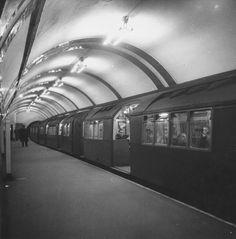 1952: Tube train at Picadilly Circus.
