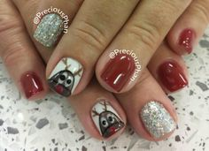 Rudolph, glitter, Christmas nails