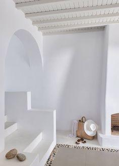 I don't like truth, ...EASTERN design office - mediterraneanfeel: Agnanti Suites in Mykonos,...
