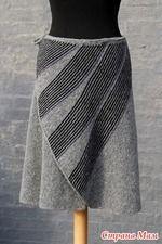 """В интернете увидела юбку """"swing"""" от Ханны Фалькенберг, и не идёт она у меня из головы. Описания нет, а из-за полос на запахе и конструкции самого запаха не могу чётко представить, как это вязать."""