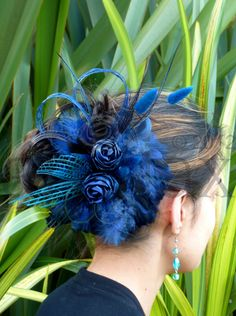 Stunning, Elegant and Vibrant Handicrafts made in the Pacific with the Fibers of Polynesian Yesterdays Flax Weaving, Flax Flowers, Maori Designs, Maori Art, Fascinator Hats, Barrette, How To Make Bows, Corporate Gifts, Purple Wedding