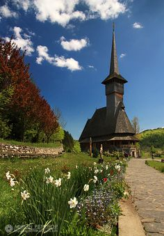 Among the most picturesque treasures of Romania are the wooden churches from Maramures. These churches are outstanding examples of vernacular religious wooden architecture resulting from the interchange of Orthodox religious traditions with Gothic influences in a specific vernacular interpretation of timber construction traditions, showing a high level of artistic maturity and craft skills. https://www.romaniasfriends.com / SEJOURS / MARAMURES region.One of the best kept Europe s secrets