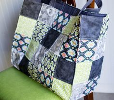 Show Off Saturday... sewing more Patchwork Totes (free tutorial)