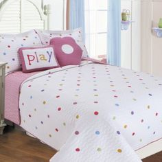 Textiles Plus Inc. Polka Dots Quilt Set