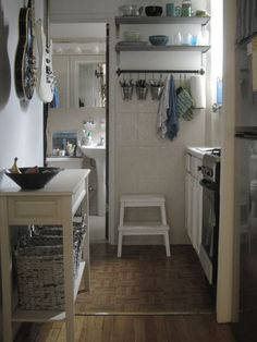 Manhattan studio apartment kitchen - because my kitchen is about this small