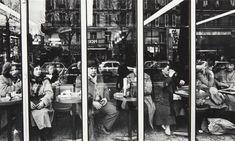 William Klein - Terrace de Cafe - Paris 1982