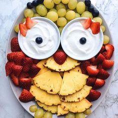 """Owl"" fruit plate"
