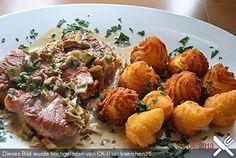 Schweinemedaillons im Parmaschinkenmantel mit Steinpilz - Gorgonzola - Sauce, ein gutes Rezept aus der Kategorie Pilze. Bewertungen: 249. Durchschnitt: Ø 4,6.