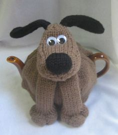 Knitting pattern for Dog Tea Cosy Teapot Cozy by Rian Anderson. Reminds me of Gromit! On Etsy (affiliate link) Knitting Patterns For Dogs, Tea Cosy Knitting Pattern, Tea Cosy Pattern, Free Knitting, Knitting Projects, Crochet Patterns, Finger Knitting, Scarf Patterns, Knitting Tutorials