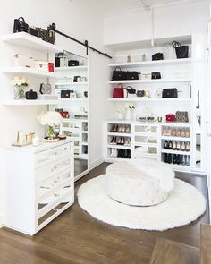 Hauptschlafzimmer Ideen Klein 20 Incredible Small Walk-In Closet Ideas & Makeovers What Are Some Of Dream Closet Design, House, Home, House Rooms, Bedroom Inspirations, Closet Designs, Closet Decor, Bedroom Decor, Closet Redesign