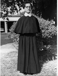 Daughters of Charity Habit Nun Outfit, Daughters Of Charity, Nuns Habits, Portraits, Favorite Things, Religion, Sisters, Spirituality, Cabaret