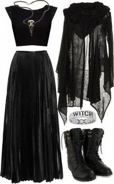 Top Gothic Fashion Tips To Keep You In Style. As trends change, and you age, be willing to alter your style so that you can always look your best. Consistently using good gothic fashion sense can help Dark Fashion, Gothic Fashion, Modern Witch Fashion, Gold Fashion, Fashion Women, Mode Sombre, Mode Rock, Witch Outfit, Witch Dress